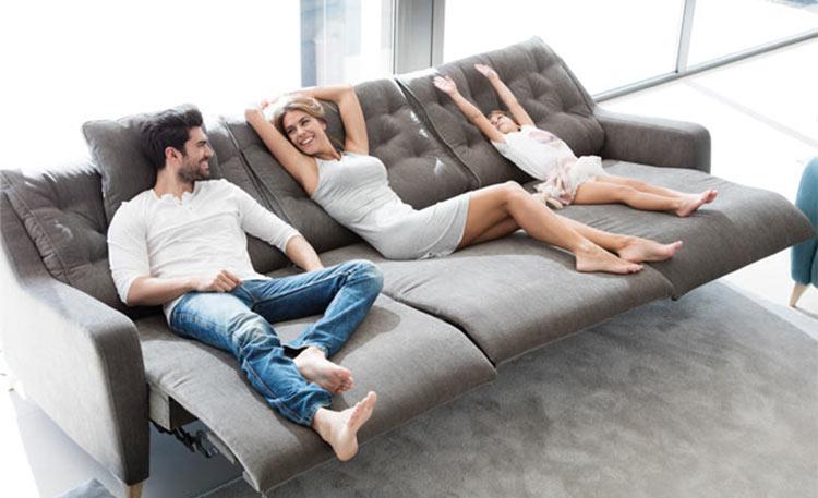 ¿Cómo elegir el sofá perfecto? Comprueba la firmeza antes de comprar.