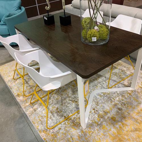 Conjunto de mesa de comedor + 4 sillas + mesa de centro