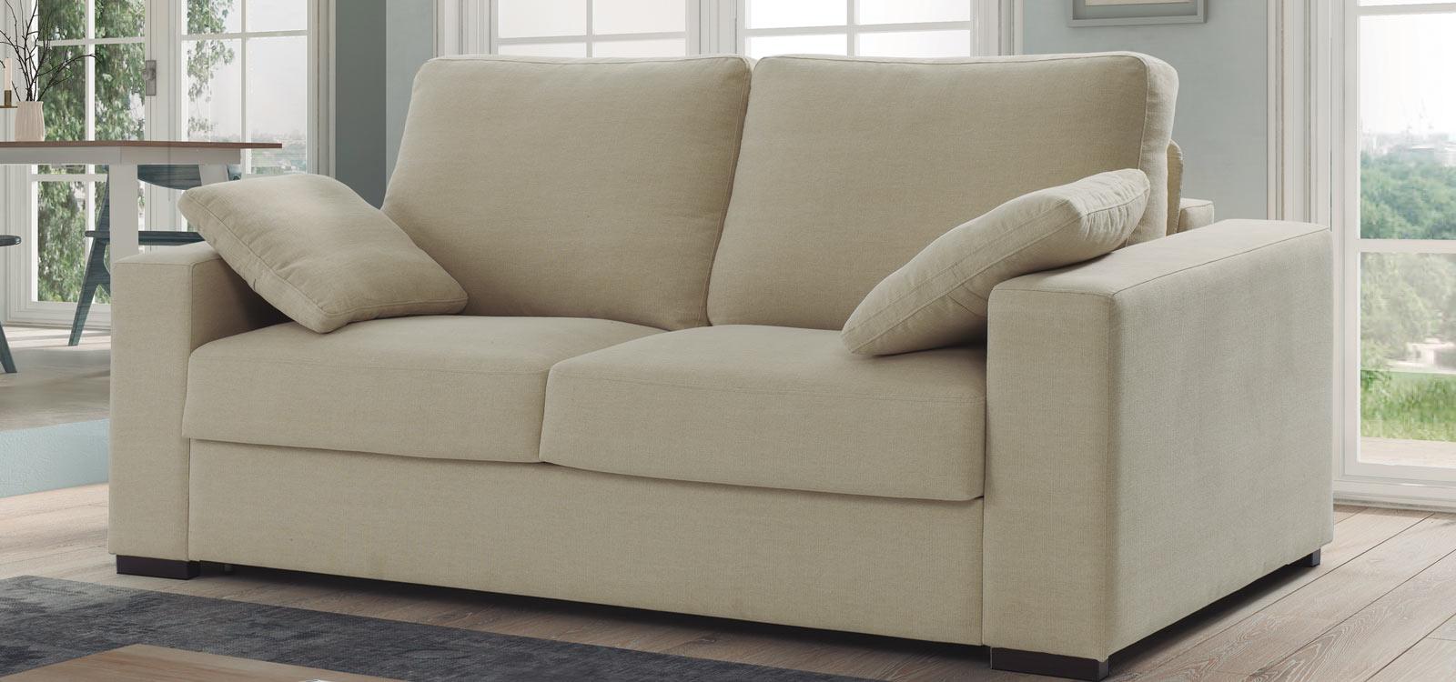 Cómodos sofás y sillones para hacer más confortable tu salón.